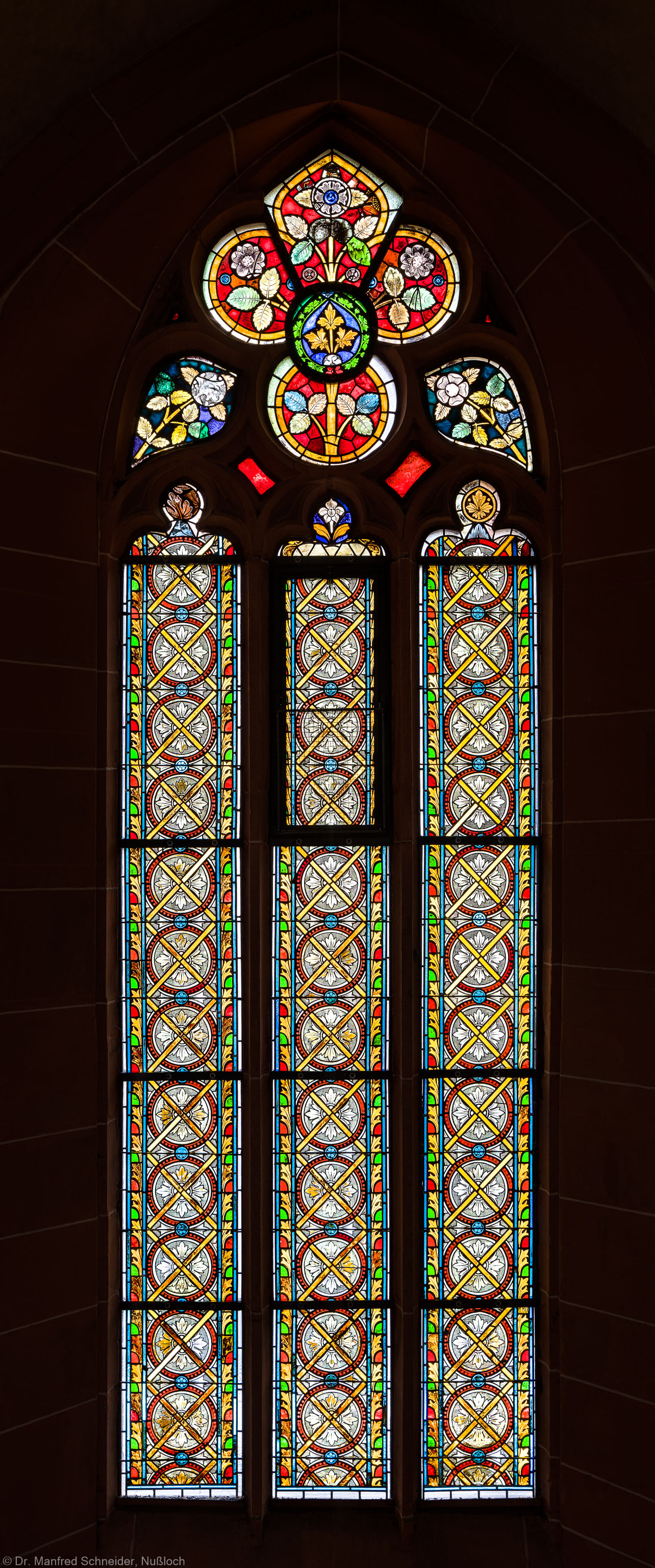 Heidelberg - Heiliggeistkirche - Südschiff - 4. Joch, von Westen aus gezählt - Gesamtaufnahme des Ornamentfensters (aufgenommen im Oktober 2015, am späten Nachmittag)