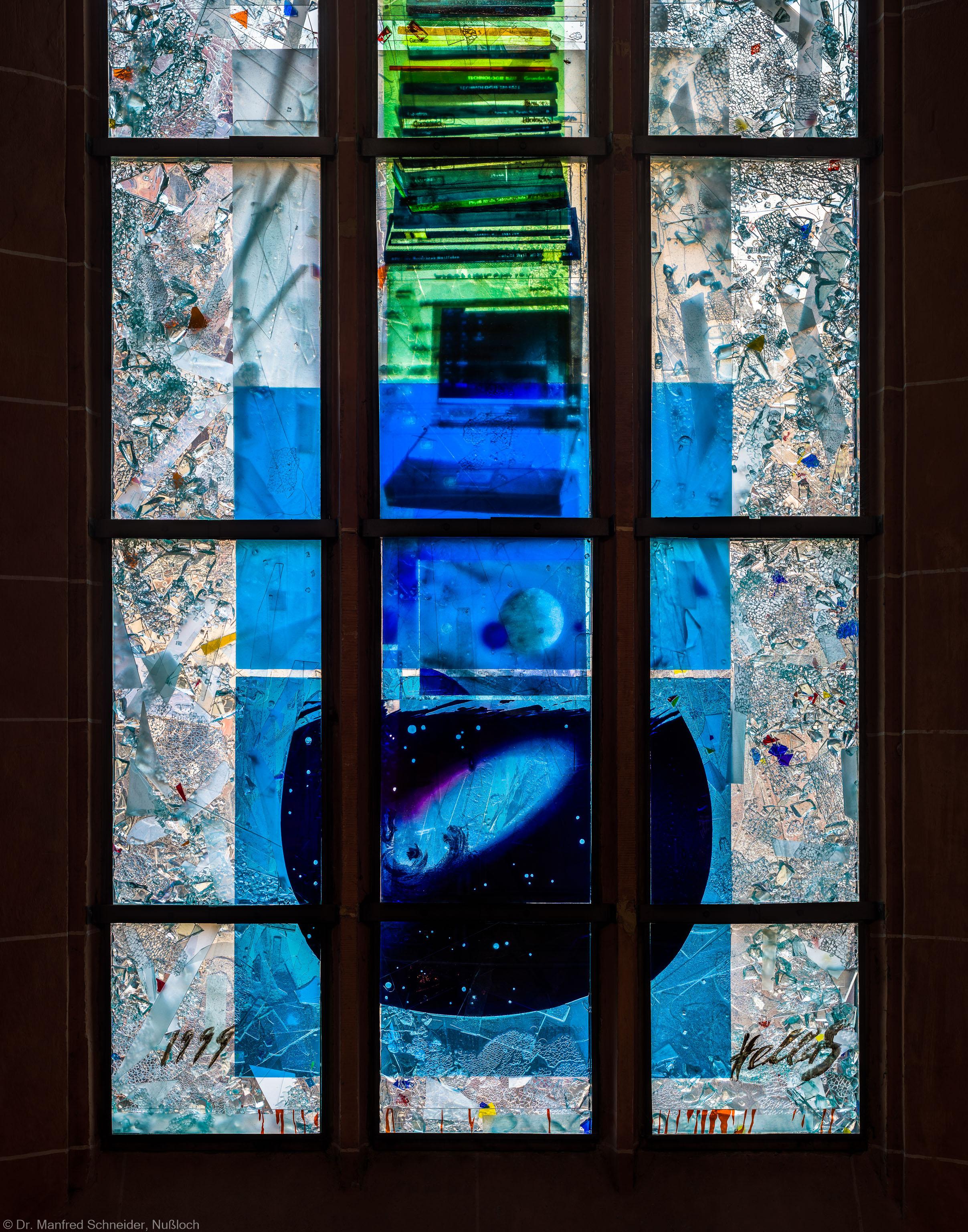 """Heidelberg - Heiliggeistkirche - Nordschiff - 4. Joch, von Westen aus gezählt - Ausschnitt aus dem Fenster """"Schöpfungsgeschichte - Der Weltkreis ist voll vom Geiste Gottes"""" von Hella De Santarossa (aufgenommen im Oktober 2015, am Nachmittag)"""