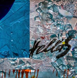 """Heidelberg - Heiliggeistkirche - Nordschiff - 4. Joch, von Westen aus gezählt - Feld (rechte Bahn, unterste Zeile) des Fensters """"Schöpfungsgeschichte - Der Weltkreis ist voll vom Geiste Gottes"""" von Hella De Santarossa (aufgenommen im Oktober 2015, am Nachmittag)"""