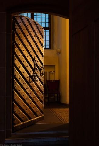 Heidelberg - Heiliggeistkirche - Nordseite - Sakristei - Tür vom Chor in Sakristei, bei beginnender Dämmerung (aufgenommen im November 2015, am späten Nachmittag)