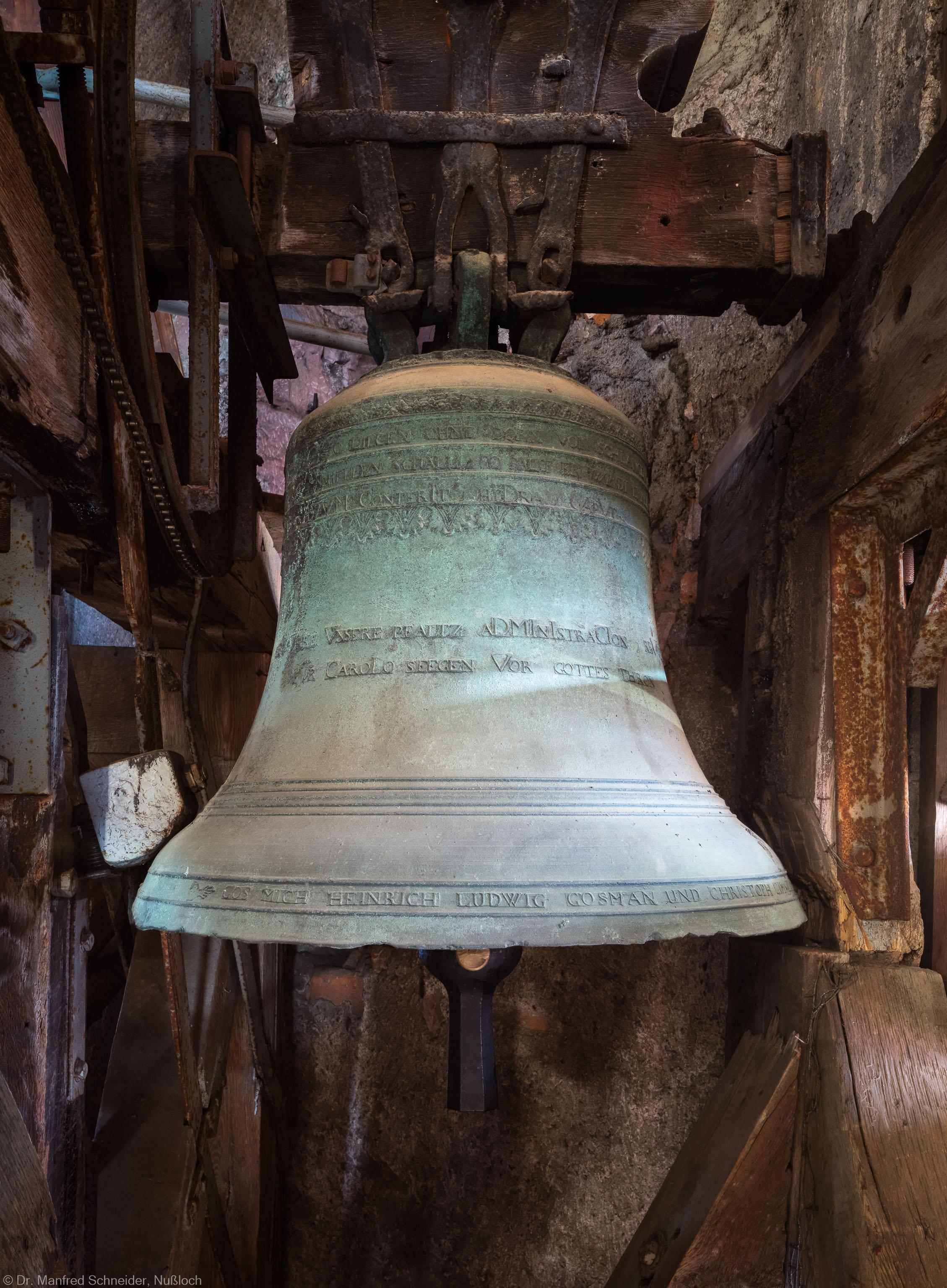 Heidelberg - Heiliggeistkirche - Glockenstuhl - Immaculata-Glocke von 1738 (Durchmesser 71 cm), von Westen aus gesehen (aufgenommen im November 2015, am Nachmittag)