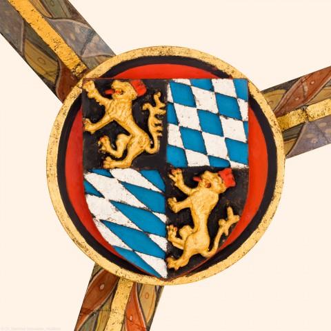 Heidelberg - Heiliggeistkirche - Chor - 5. Schlußstein im Chorumgang, gezählt von Südwest nach Nordwest (aufgenommen im November 2015, um die Mittagszeit)